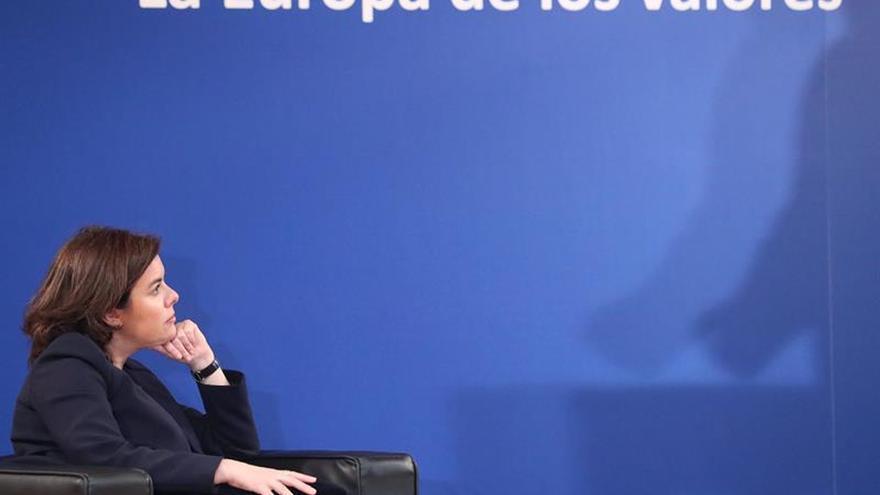 Sáenz de Santamaría apuesta por una Europa más unida tras las elecciones en Francia