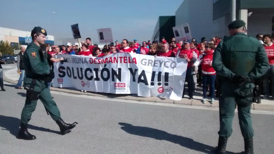 Concentración de los trabajadores de Greyco en Frenos Iruña, Pamplona.