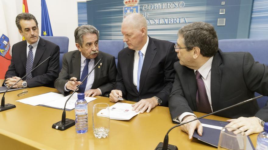 Rueda de prensa en el Gobierno de Cantabria con los responsables de Slipstream. | RAÚL LUCIO