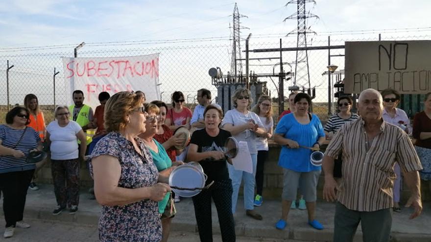 Protesta y cacelorada en El Pedernoso / Ecologistas en Acción