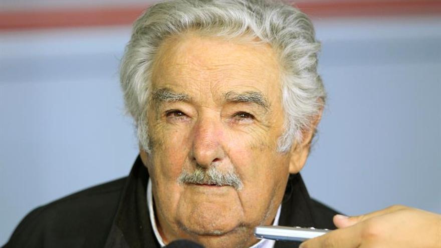 Mujica dice que Almagro está en OEA por influencia política suya en A. Latina