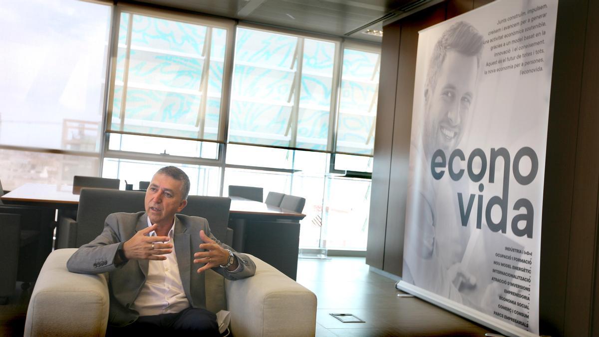 El conseller de Economía Sostenible, Rafael Climent. / Jesús Císcar