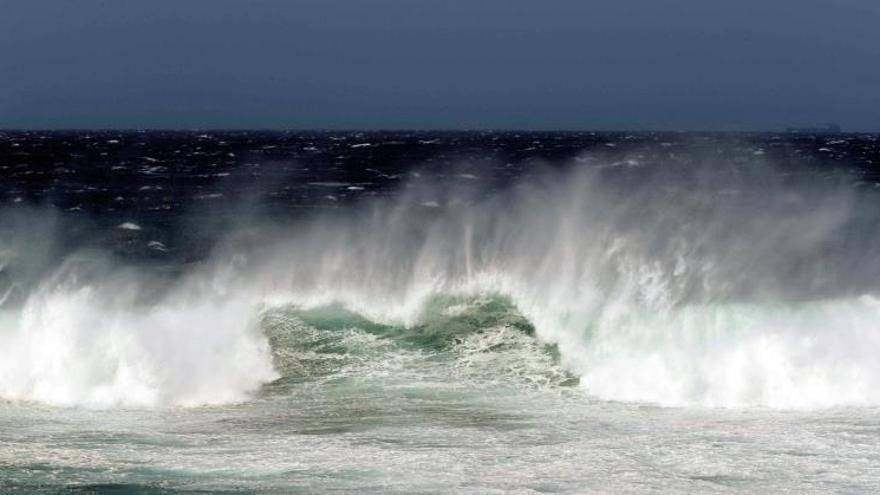 """Canarias en preaviso ante los efectos de la llegada de la tormenta """"Leslie"""""""