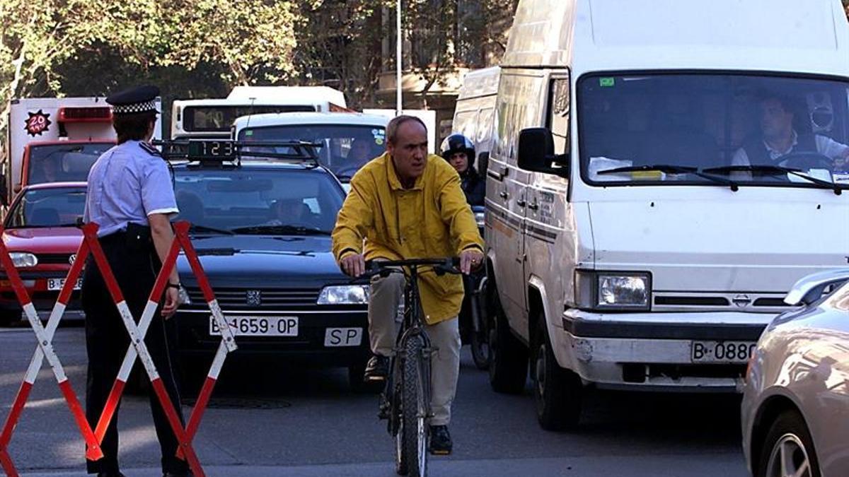 Las furgontas y camiontas sin etiqueta ambiental ya no pueden circular por Barcelona