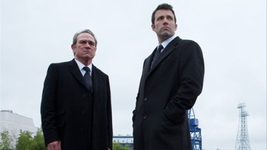 Ben Affleck y Tommy Lee Jones en The company men
