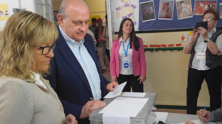 El ministro del Interior celebra las décimas elecciones municipales en democracia