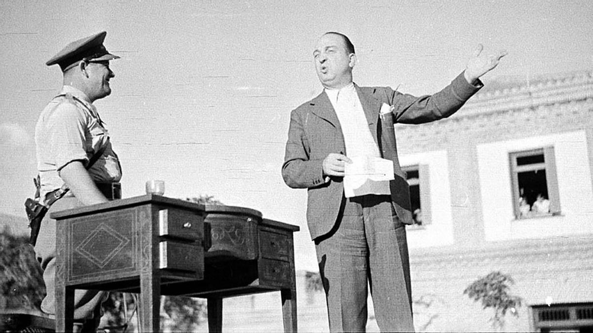 Melchor Rodríguez recita un poema a la bandera tricolor, el 8 de septiembre de 1938.