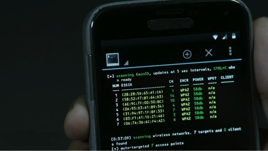 Un móvil hackeado, en Mr Robot