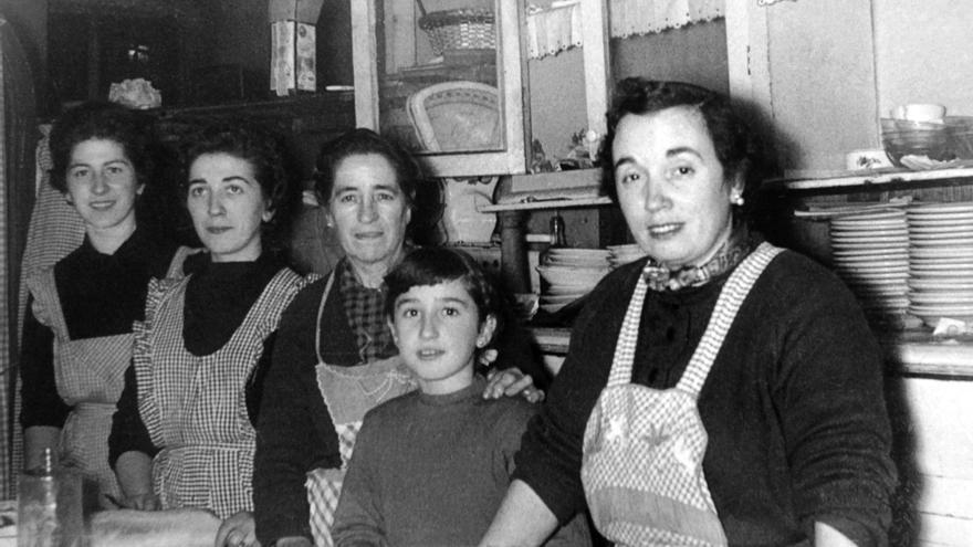 """La Cofradía Vasca de Gastronomía rendirá homenaje a las mujeres que han sido """"clave"""" en la gastronomía de Gipuzkoa"""