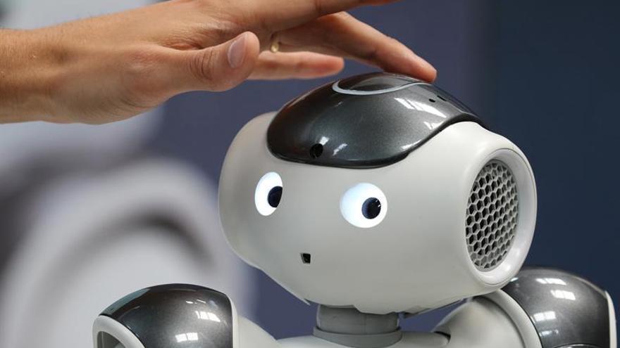 Más de mil expertos abordan en IROS 2018 el futuro de la sociedad robótica