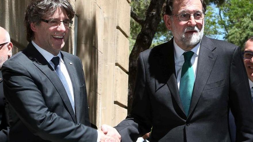 Puigdemont ofrecerá a Rajoy un referéndum pactado en un acto en el Ayuntamiento de Madrid