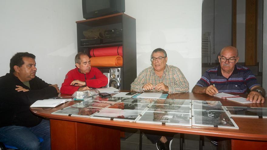 Rubén López (d) es el nuevo presidente.