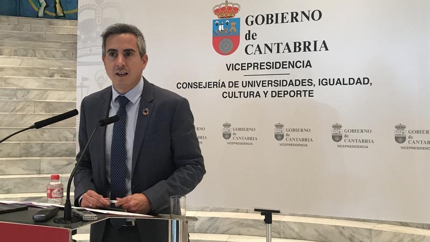 """Zuloaga reivindica la gestión de PRC-PSOE de """"las necesidades y los retos"""" de Cantabria"""