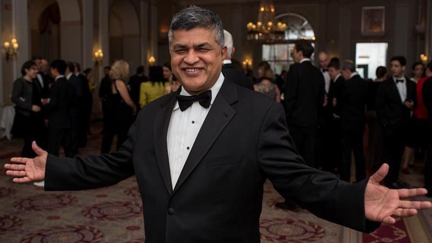 AI reclama a Malasia la libertad del popular humorista gráfico Zunar