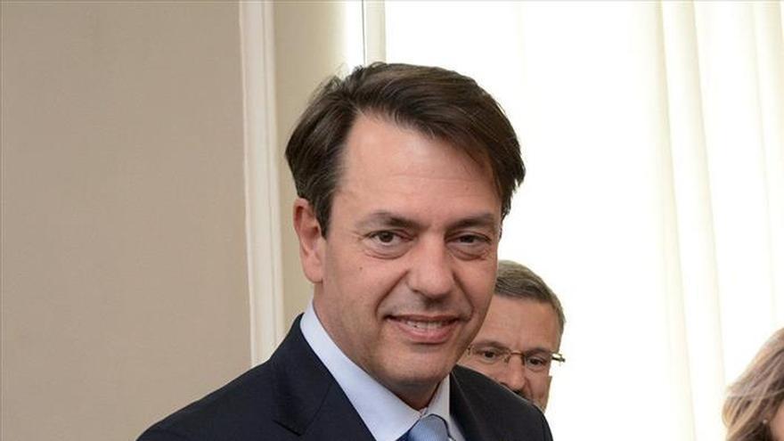 Georgia distingue al pintor español Augusto Ferrer-Dalmau