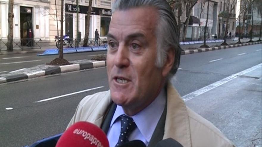 Bárcenas dijo al banco suizo que era director general de La Moraleja cuando le amenazaron con cerrar la cuenta