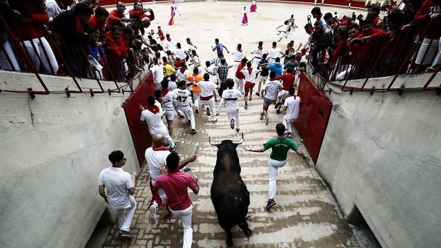 Los toros de Núñez del Cuvillo vuelan en un encierro con tres heridos