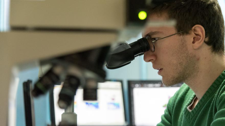 Guillermo Varela, neurocientífico y miembro de la Federación de Jóvenes Investigadores FJI/Precarios.