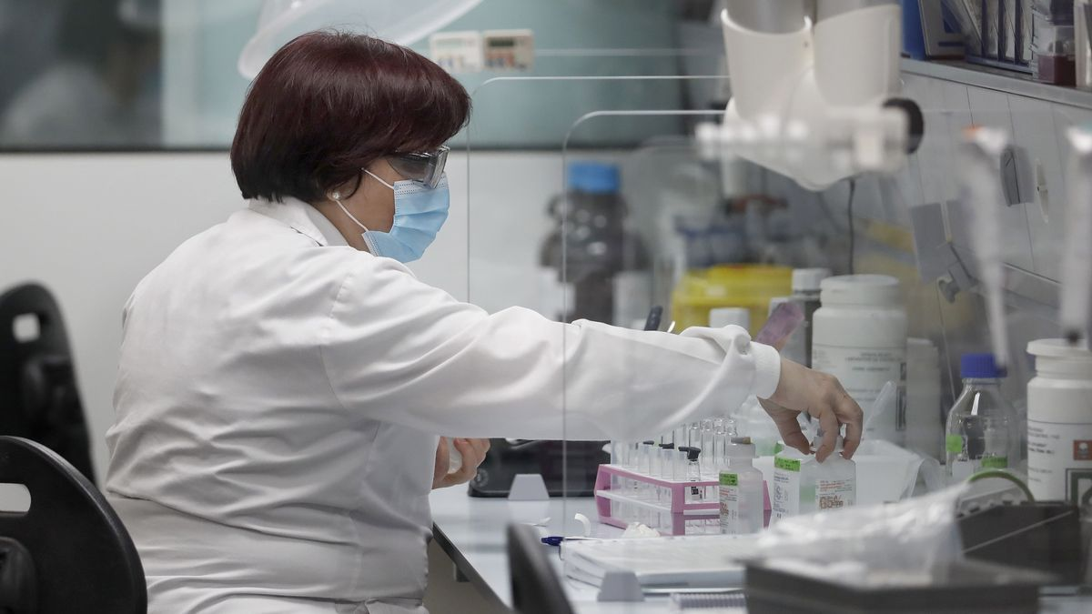 Laboratorio de control de calidad en las instalaciones de Reig Jofre en Sant Joan Despí