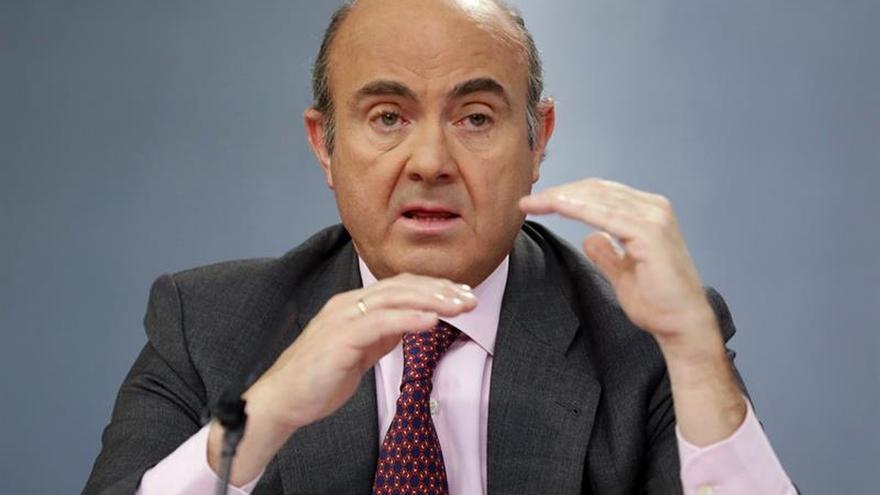 """Luis de Guindos afirma a la Sexta que el IVA """"se queda como está"""""""