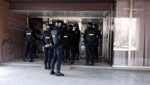 Los antidisturbios, a punto de entrar en el Vicerrectorado de estudiantes / Colectivo de Estudiantes de Madrid (CEM)