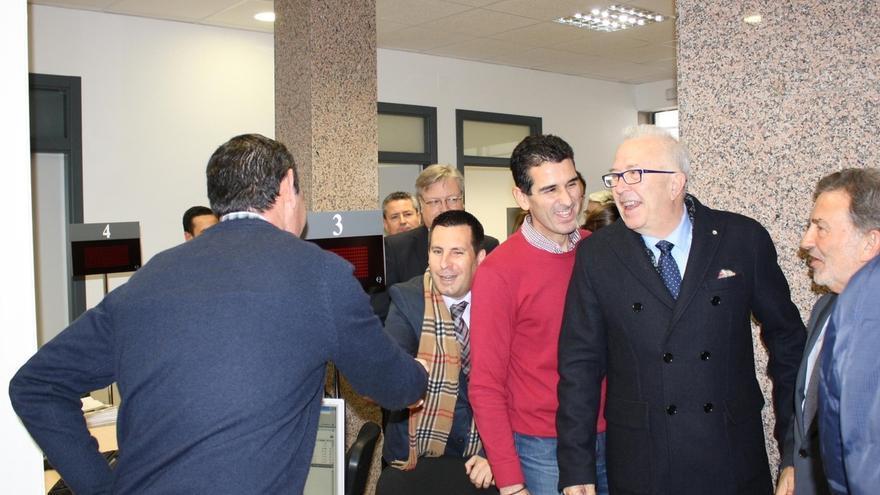 El consejero de Economía inaugura una oficina del SAE en Peñarroya que atenderá a más de 3.630 demandantes