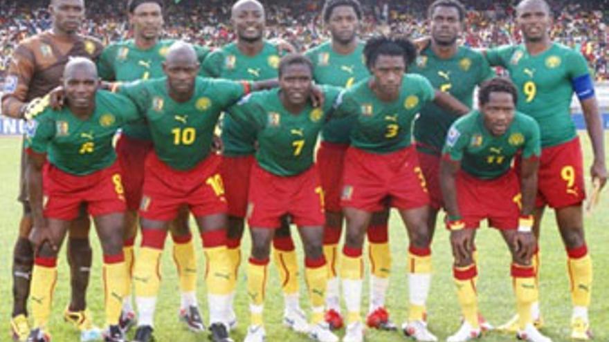 Alineación de Camerún. (www.fecafootonline.com)