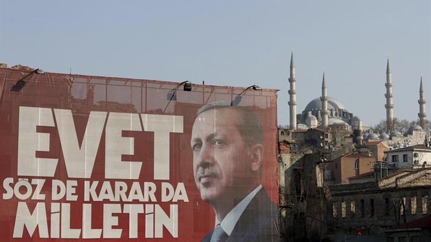 La oposición turca cancela sus mítines para evitar tensiones antes del referéndum