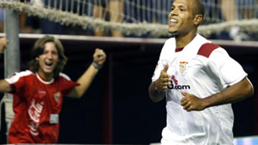 Luis Fabiano apunta a titular en Alemania.