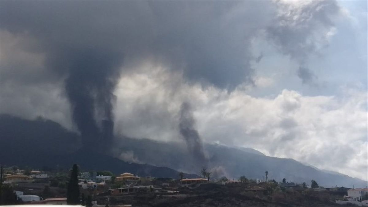 Imagen de la nueva boca eruptiva del volcán de La Palma