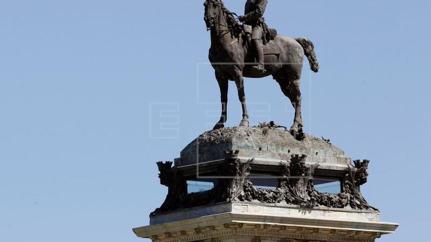 Madrid abre el mirador de la estatua de Alfonso XII en el estanque del Retiro