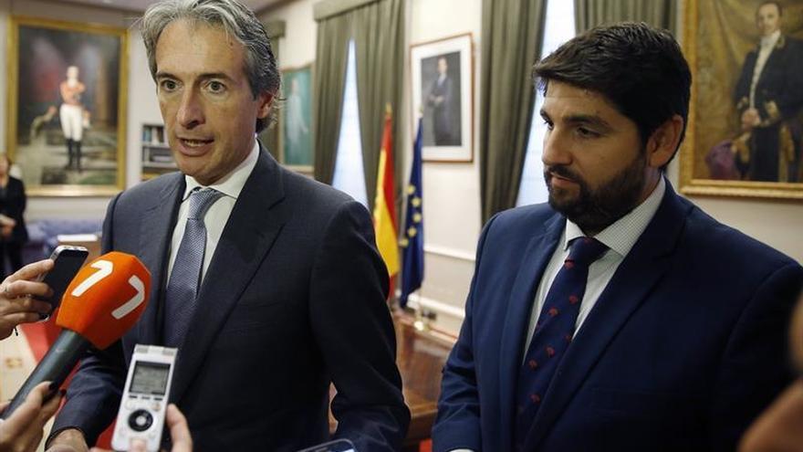 """López Miras pide que cesen los """"actos vandálicos"""" en Murcia para poder soterrar el AVE"""