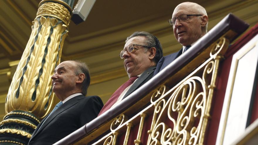 Los padres de la Constitución Miquel Roca, Miguel Herrero Rodríguez de Miñón y José Pedro Pérez Llorca, en el Congreso
