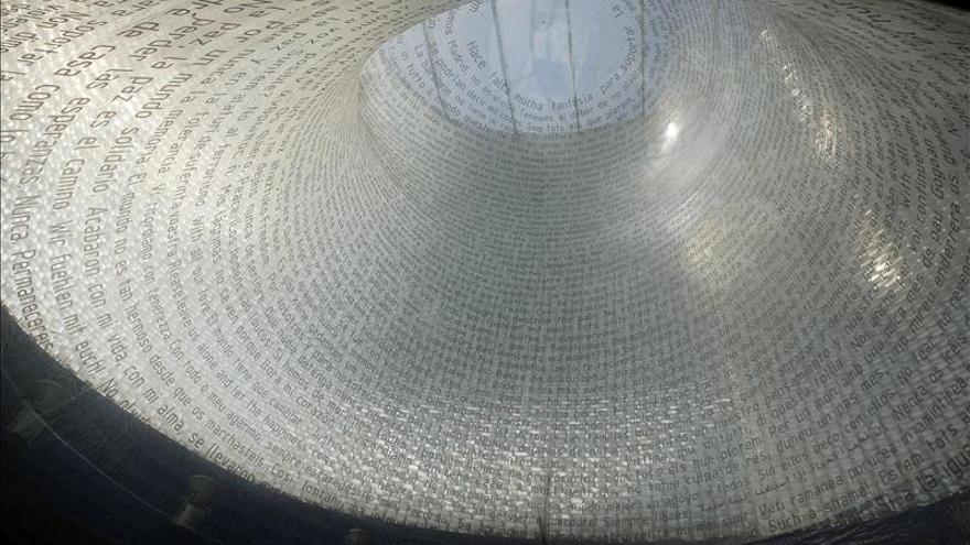 """Pedro Sánchez pide """"sin ánimo de polémica"""" que se repare el monumento del 11M"""