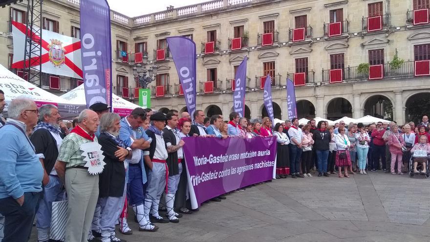 Concentración de repulsa en Vitoria contra las agresiones machistas