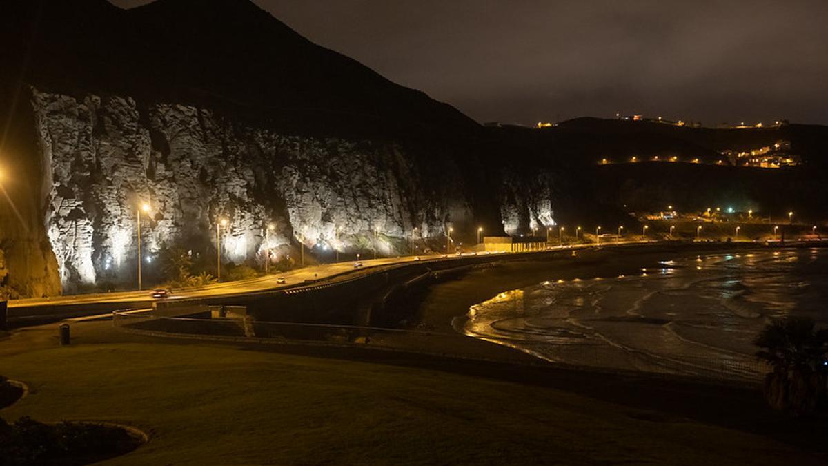 Ladera de La Laja, en Las Palmas de Gran Canaria, con su nueva iluminación