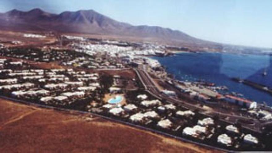 Construcciones hoteleras en Montaña Roja, al sur de Lanzarote. (CANARIAS AHORA)