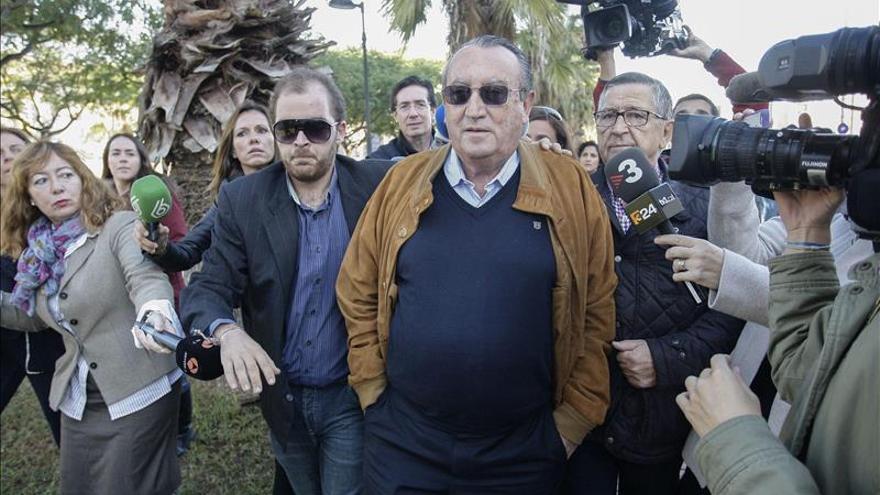 Alberto Fabra dice que algunos pensaban que Carlos Fabra no entraría en prisión