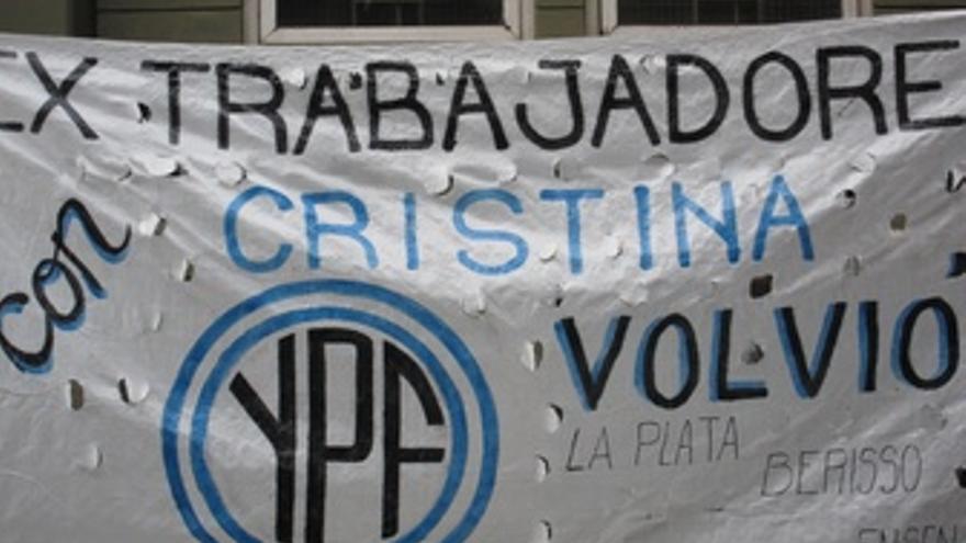 Cartel YPF En Buenos Aires
