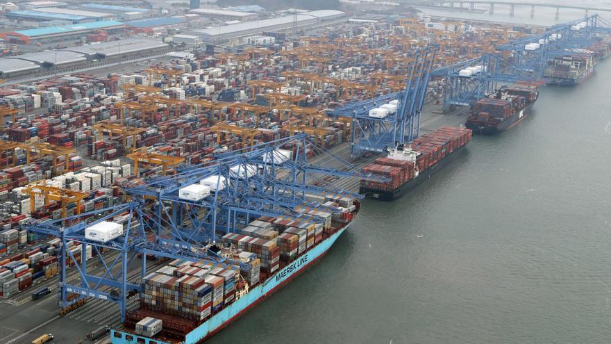 Las exportaciones surcoreanas remontaron en noviembre gracias a los chips