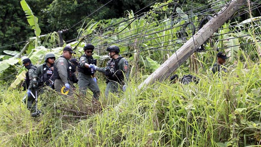 Ola de ataques sin víctimas en el sur de Tailandia tras la firma de la Constitución