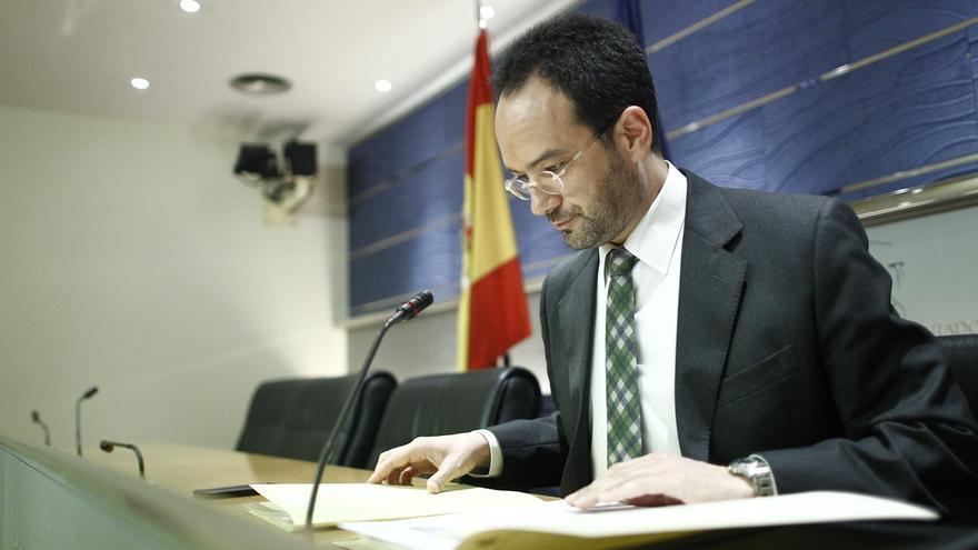 El PSOE asegura que Chaves y Griñán tendrán que entregar sus actas y dejar el escaño si se les imputa algún delito