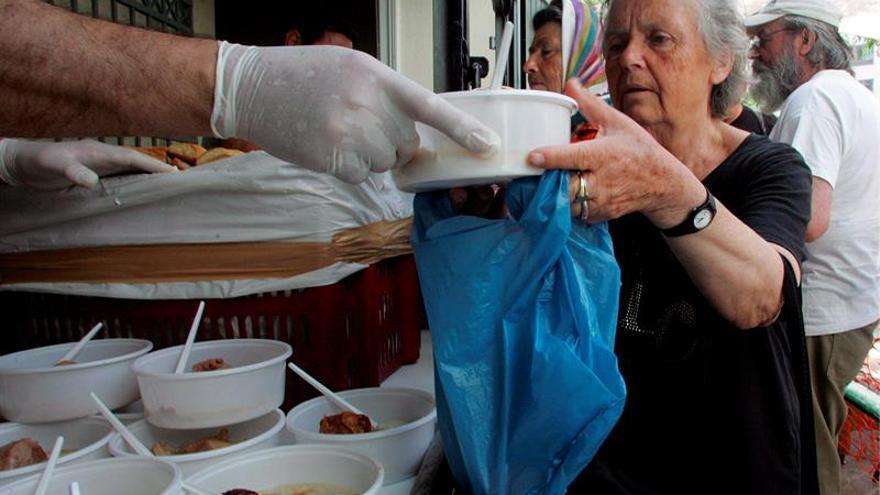 Kostas Vitalakis, un jubilado griego que vive volcado en ayudar a los pobres