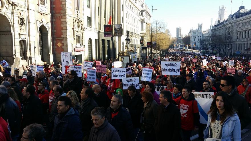 La protesta por los fármaco contra la hepatitis C, a su paso por el centro de Madrid / M.D.