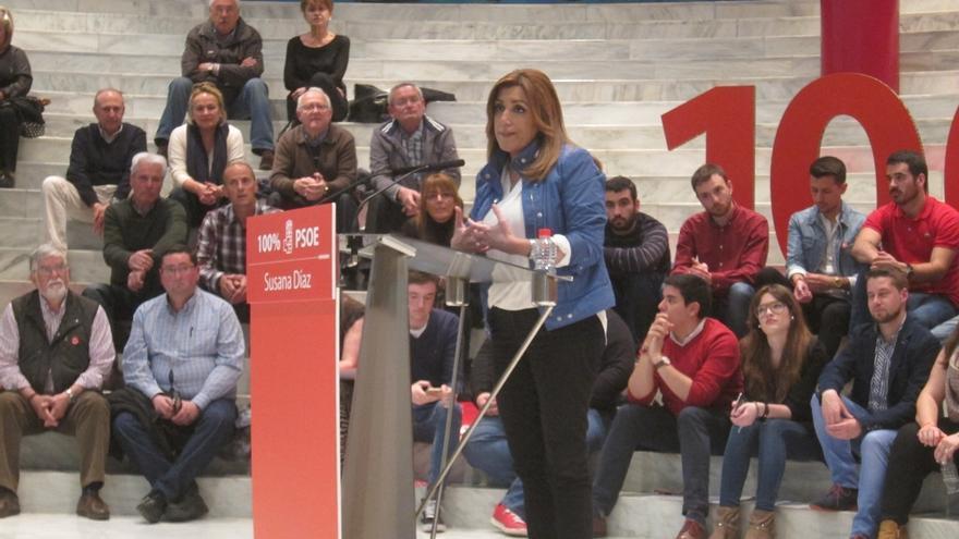 """Susana Díaz recalca que el voto socialista no servirá """"para entregar el PSOE a nadie"""" ni para """"imitar a nadie"""""""