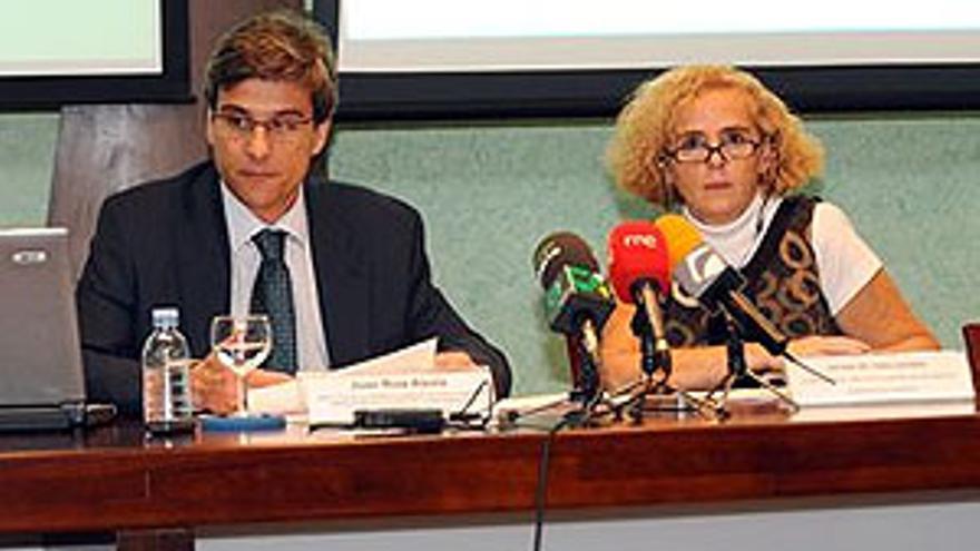 Juan Ruiz Alzola y Esther del Toro Cáceres.