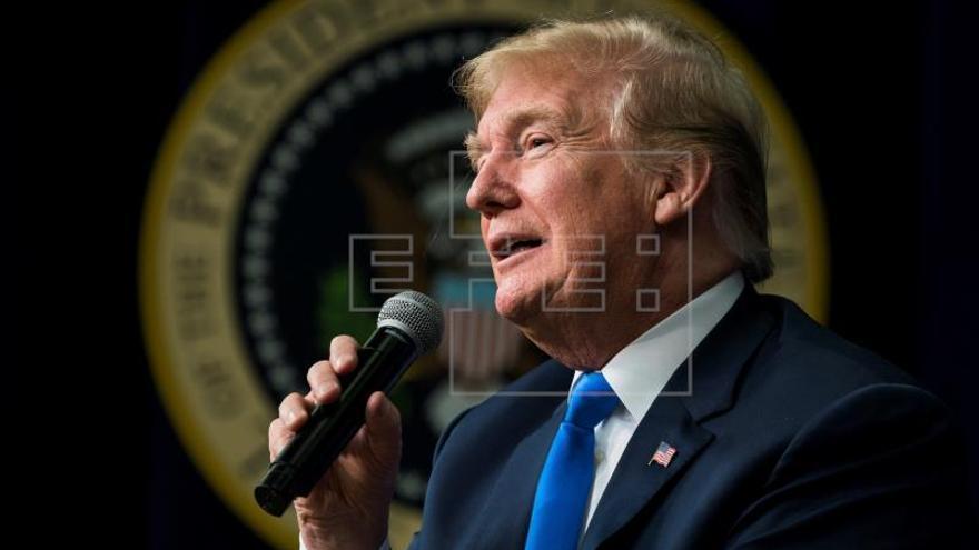 """Trump amenaza con retirar la ayuda a Honduras por la """"caravana"""" de inmigrantes"""
