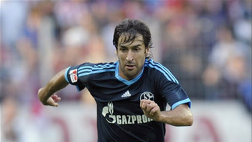 Raúl no puede levantar la Supercopa