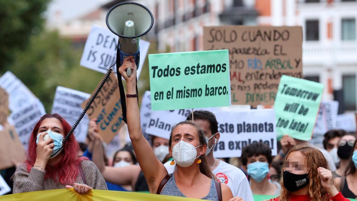 Manifestantes por el clima en España.