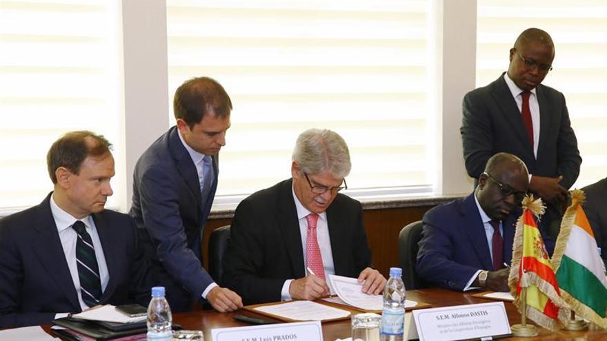 España perdona a Costa de Marfil parte de su deuda para estrechar la relación